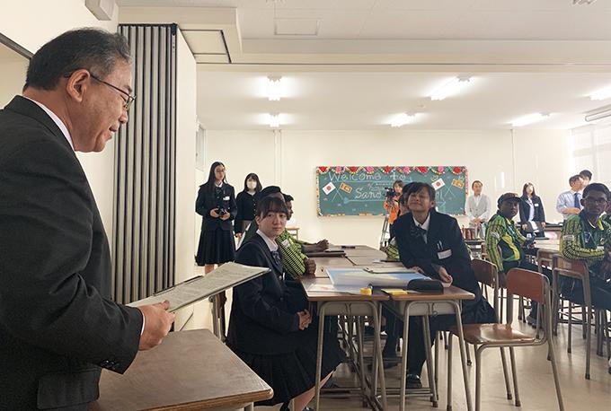 英語でのスピーチ 佐野高校赤羽校長